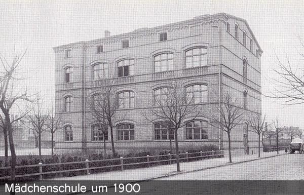 Mädchenschule um 1900